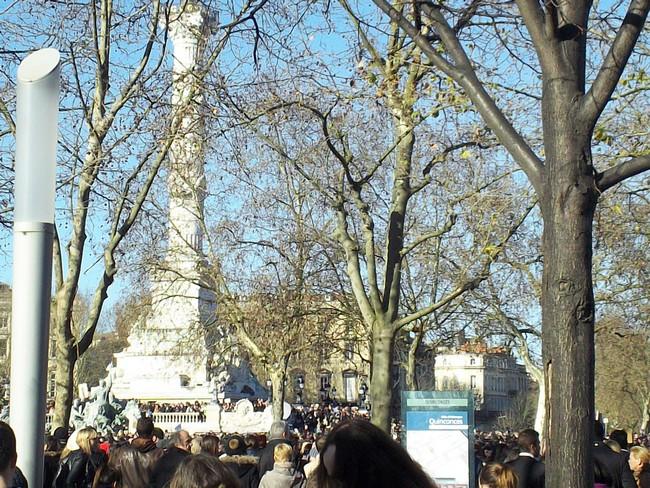 Place des Quinconces Bordeaux 11 janvier 2015 Je suis Charlie.