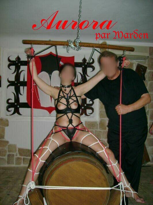 BDSM AURORA MARDEN Bondage chez Le Marquis.