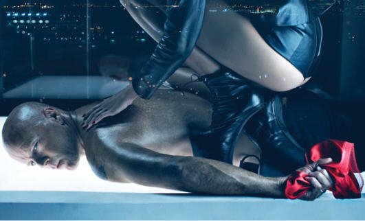 BDSM Bruce Willis et sa nouvelle épouse Emma Hemming photo de Steven Klein pour W Magazine 2009.