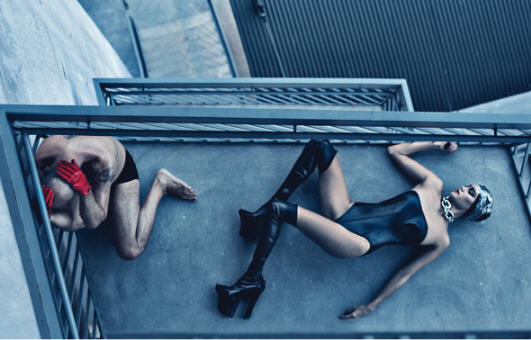 BDSM Bruce Willis et Emma Hemmings by Steven Klein for W Magazine 2009.