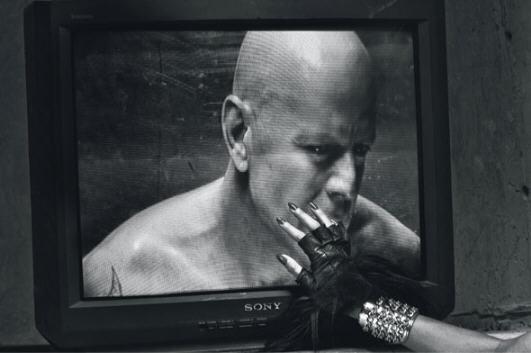 BDSM Bruce Willis photographié par Steven Klein pour W Magazine 2009.