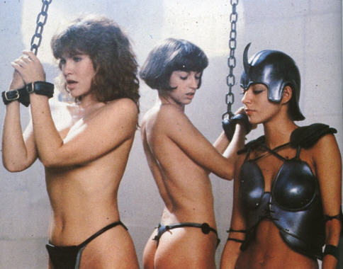 "BDSM Film: ""Gwendoline"" (1984) de Just Jaeckin, adaptation des ""comics"" bondage de John Willie avec Tawny Kitaen et Zabou Breitman."