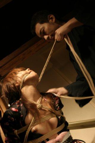 BDSM Shibari une session de Hajime Kinoko: étape 2.
