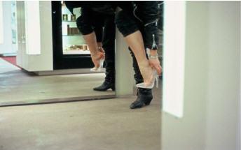 BDSM High Heels Les stilettos de verre de la sculptrice Åsa Jungnelius.