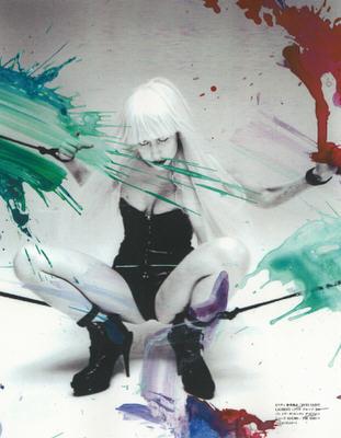 "BDSM Nobuyoshi Araki, shibari pour Lady Gaga dans le ""Vogue Hommes Japan"" de septembre 2009."
