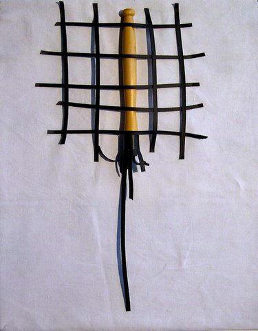 BDSM Art Sculptures de Patricia Groussin Objet de la Douleur Le martinet pris au filet AURORAWEBLOG.