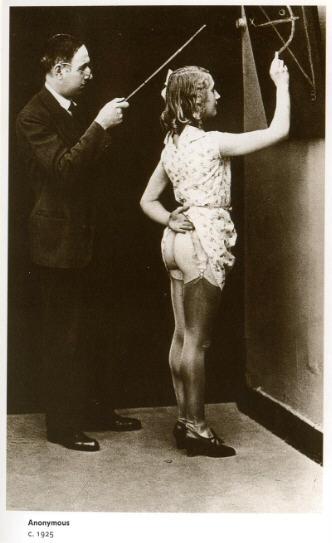 BDSM AURORAWEBLOG Fessée d'antan Spanking Vintage in the schoolroom Auteur anonyme 1925.