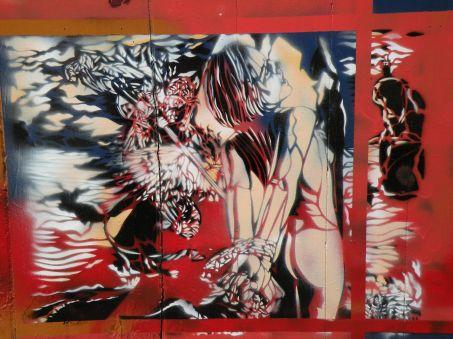 """BDSM Street Art sur la façade du bar """"Chez Fernando"""", 6, Rue de l'Arbalète, Paris, 5ème."""
