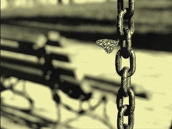 BDSM La chaîne et le papillon AURORAWEBLOG.