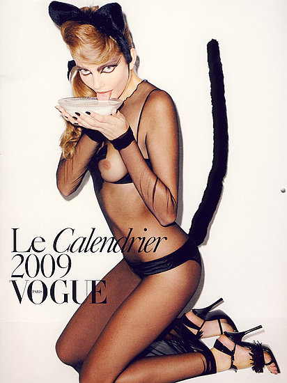 BDSM soumise: Eniko Mihalik en couverture du calendrier Vogue France 2009 photographié par Terry Richardson.