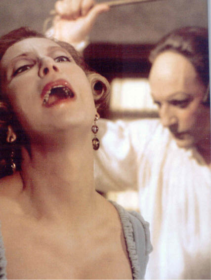 Le Casanova de Fellini 1976 Donald Sutherland maniant le fouet.