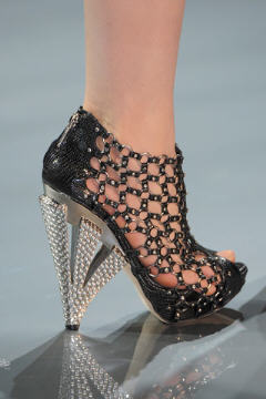 Galliano Dior Haute Couture Femme 2009 détail chaussures