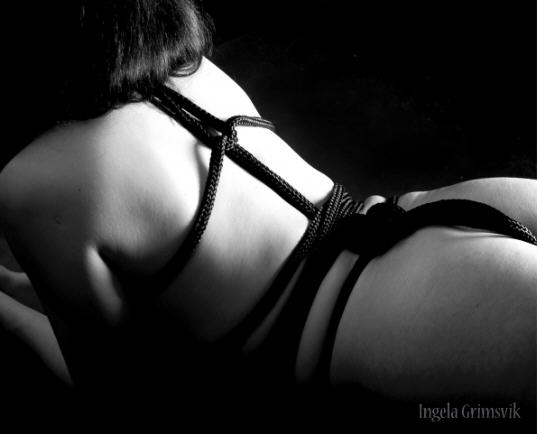 BDSM Bondage Art Ingela Grimsvik photographer AURORAWEBLOG.