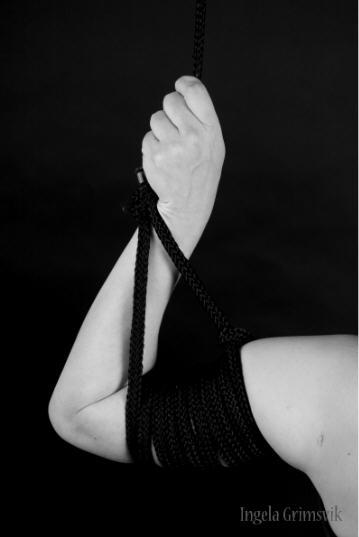 Ingela Grimsvik BDSM Photographer AURORAWEBLOG.