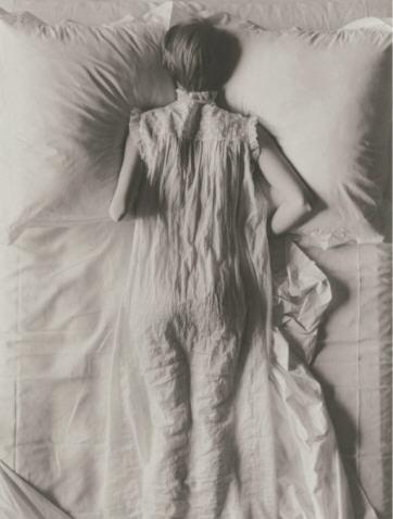 Irving Penn Girl in Bed 1949.