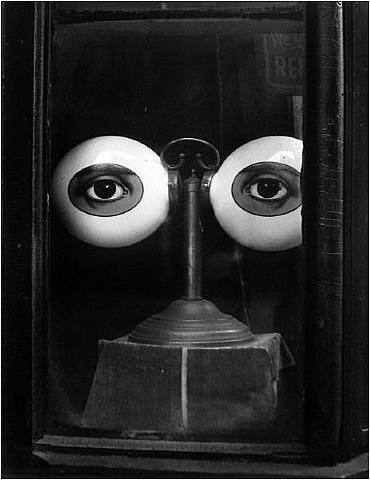 Irving Penn Optician's Window 1933.