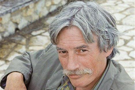 Jean Ferrat chanteur engagé et poète militant 1930 - 2010.
