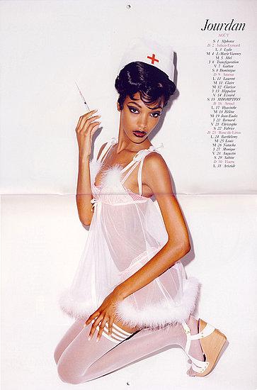 BDSM jeu de rôles: Jourdan Dunn en infirmière mois d'août du calendrier Vogue France 2009 photographies de Terry Richardson.