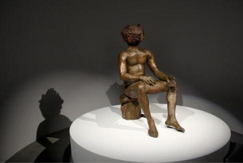 """L'homme à la tête de chou une sculpture de Claude Lalanne exposition """"Gainsbourg 2008"""" Cité de la musique Paris."""