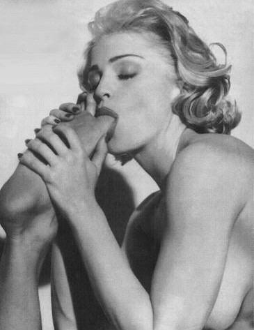 """Madonna soumise BDSM dans """"Sex"""" de Steven Meisel 1992."""