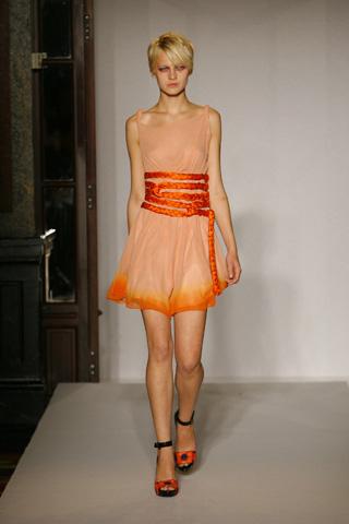 "Inspiration Bondage pour la ""Fashion Week"" été 2009: Michel Klein."