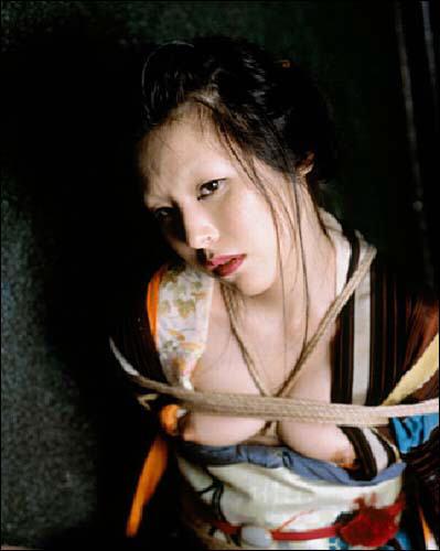 """Nobuyoshi Araki """"Bondages"""", photographies en numérique, 2009."""