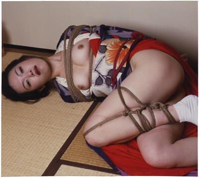 """Nobuyoshi Araki """"Hana Kinbaku"""" exposition Tokyo 2008 AURORAWEBLOG."""