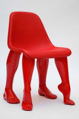 "Pharrell Williams design, chaise ""Perspective"" exposé à la Galerie Perrotin de Paris d'octobre 2008 à janvier 2009."