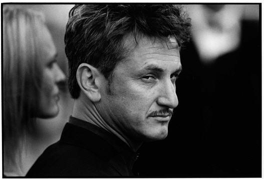 """Sean Penn et Robin Wright réconciliés grâce à Dustin Hoffman et ses """"trucs"""" BDSM?"""
