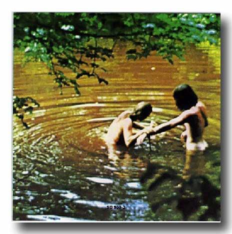 Woodstock 1969, hippies nus dans la rivière AURORAWEBLOG.