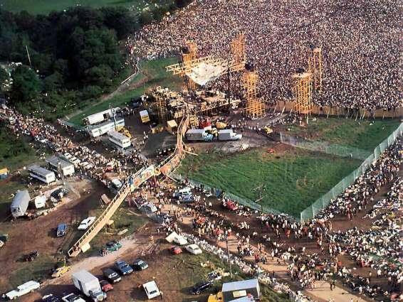Woodstock 1969, la marée humaine sur le site AURORAWEBLOG.