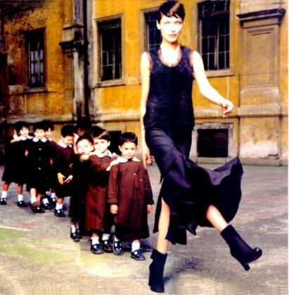 """AURORAWEBLOG La """"Maîtresse d'école"""", photographie de John Midgley."""