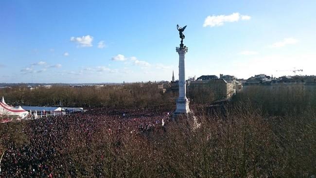 Rassemblement Républicain Je suis Charlie Place des Quinconces à Bordeaux le 11 janvier 2015