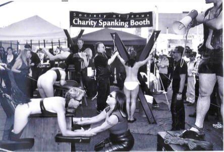 BDSM spanking contest concours public de fessée