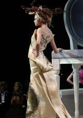 Galliano pour Dior Défilés Haute Couture Eté 2007, Tendance Geisha