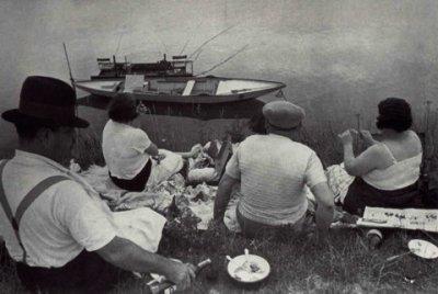 Ouvriers en vacances Front Populaire Henri Cartier-Bresson AURORAWEBLOG