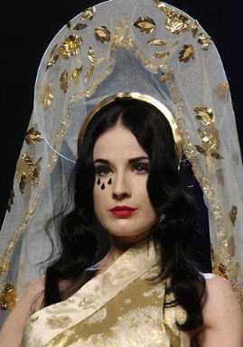 Dita Von Teese, Défilé Haute Couture Jean-Paul Gaultier, Eté 2007, Paris