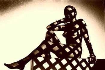 AURORAWEBLOG bondage géométrique Peter Fendler photographer