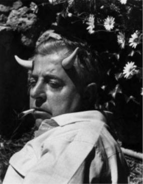 Jacques Prévert photographié par Gilles Ehrmann en 1955 photo dite Le Sylvain