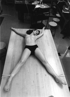 AURORAWEBLOG Bondage sur table